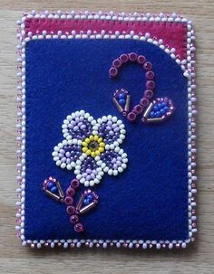 Beaded card case w/Banding, seed beads & Bugle beads done by Carmen Dennis (Tahl. Beaded card case w/Banding, seed beads & Bugle beads done by Carmen Dennis (Tahltan) Native Beading Patterns, Beadwork Designs, Native Beadwork, Loom Patterns, Bead Crafts, Jewelry Crafts, Bugle Beads, Seed Beads, Beading Projects