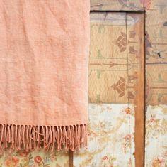 stonewashed linnen plaid - oude kast - brocante kast - oranje plaid - warm interieur - bohemium interieur - dessins