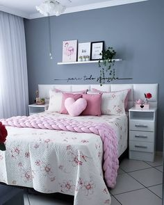 Cute Home Decor Bedroom Decor Ideas has never been so Top! Since the beginning of the year many girls were looking for our Dizzy guide and it is finally got released. Now It Is Time To Take Action! Teen Bedroom Designs, Bedroom Decor For Teen Girls, Room Design Bedroom, Room Ideas Bedroom, Home Room Design, Small Room Bedroom, Bedroom Colors, Home Decor Bedroom, Master Bedroom