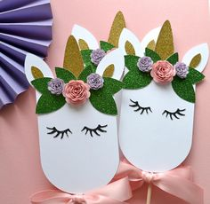 These centerpieces can be placed in mason jars, flower arrangements and more! #unicorn #centerpiece #unicornparty