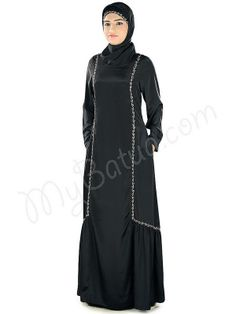 Fathima Abaya ! Style No : Ay-318 Shopping Link : http://www.mybatua.com/fathima-abaya Available Sizes XS to 7XL (size chart: http://www.mybatua.com/size-chart/#ABAYA/JILBAB) Straight Abaya in angrakha style 'V' neckline Utility pockets on both sides Straight sleeves Matching Square Hijab (100x100 cm approx.) and Band can be bought separately. Colour: Turquoise-Green Fabric: Poly Crepe Care: Dry clean/Hand cold wash