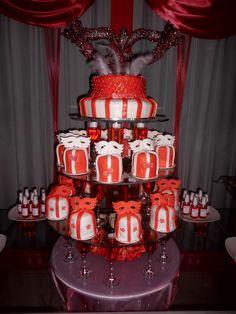 CAKE 15 AÑOS CON MINICAKES