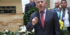 El expresidente y senador Álvaro Uribe Vélez le respondió la carta al excomisionado de Paz, Luis Carlos Restrepo, que en días pasados le pidió al...