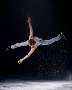 Russia's Ilia Kulik..and after all this time (he was Olympic Champion in 1998) the guy can STILL jump like this!