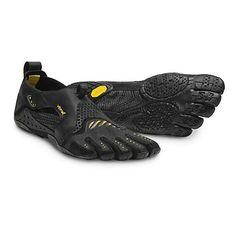 idk why but I want a pair   Mens Vibram FiveFingers Signa Cross Training Shoe