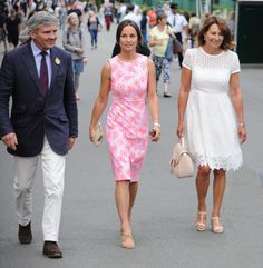 Pippa Middleton in Tabitha Webb JUL 6, 2016 BY HEATHER Another great frock. Girlfriend came to PLAY. (Carole is evidence that a) Kate's fondness for girly white lace-like frocks is genetic, and so are her legs.)