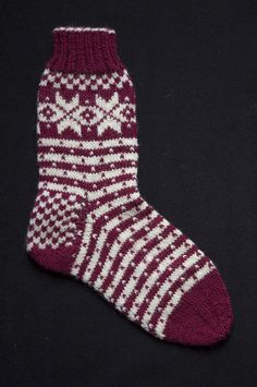 My Fana socks kit, based on the beautiful Norwegian Cardigan from the century, will make up one pair of socks sizes). Mitten Gloves, Mittens, Knitting Socks, Hand Knitting, Ravelry, Pairs, Trending Outfits, Handmade Gifts, 19th Century