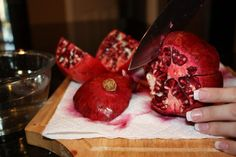 The NoMess Method of seeding a Pomegranate