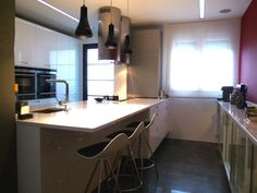 SANTOS kitchen | White gloss lacquered Karmel model, project by Armonía http://www.armonia.ws/