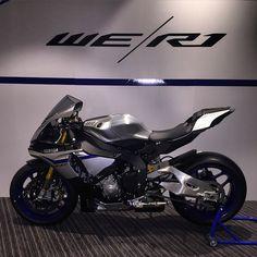 2015 Yamaha R1M international press.