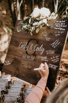 Wedding Ceremony Signs, Rustic Wedding Signs, Our Wedding, Dream Wedding, Wedding Book, Wedding Souvenir, Barn Wedding Photos, Rustic Wedding Favors, Fall Wedding Arches