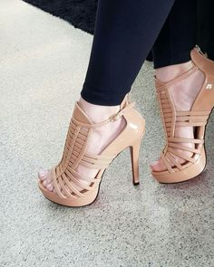 Sexy classy high heels mens fashion edgy in 2019 shoe boot Hot High Heels, High Heels Stilettos, Stiletto Heels, Classy Heels, Pretty Shoes, Cute Shoes, Beautiful High Heels, Fashion Heels, Fashion Edgy