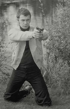 Bodie in full on action mode The Professionals Tv Series, British Drama Series, Martin Shaw, Tom Burke, People Of Interest, Great Tv Shows, Me Tv, Classic Tv, Fanfiction
