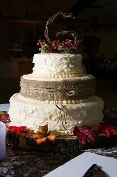 Country wedding cake | Pams cakes | Pinterest | Country weddings ...