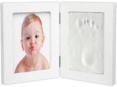Een aandenken aan de geboorte? Stop in deze fotolijst een leuke foto van je pasgeboren engeltje en een leuke gipsen voet- of handafdruk. Super schattig!