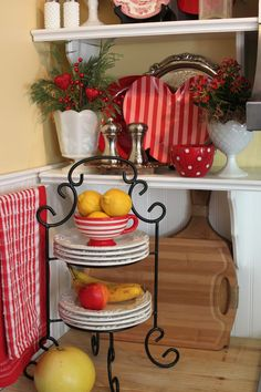 southern style cottages | Andrea from Opulent Cottage shared her Valentines styling.