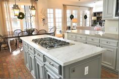 i would loooovvve to bake in this kitchen!