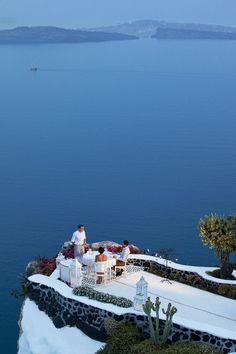 オープンテラスが素敵!ギリシャ・サントリーニ島のアンドロニス・ラグジュアリー・スイーツのホテル ハネムーン♡