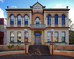Nowra School of Arts > http://shoalhaven.nsw.gov.au/MyCommunity/Communityfacilities/NowraSchoolofArts.aspx