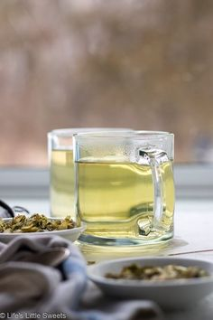 Hops Flower Tea is floral, slightly bitter tea with relaxing effects. You can enjoy it hot or cold with ice. Works as a sleep aid, anti-anxiety herbal. Beer Brewing, Home Brewing, Tea Diffuser, Fresh Mint Tea, Hops Plant, Hibiscus Tea, Golden Milk, Wild Edibles, Ginger Tea