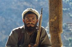 Afghanistan, Kunar valley, freedom fighter (moudjahidin) against russian army. 1984. Pin by Paolo Marzioli