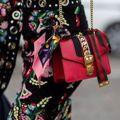 A little bit of @gucci from the streets of Florence to kick those Monday blues... #gucci #fashionweek  Getty Images  via INSTYLE AUSTRALIA MAGAZINE OFFICIAL INSTAGRAM - Fashion Campaigns  Haute Couture  Advertising  Editorial Photography  Magazine Cover Designs  Supermodels  Runway Models