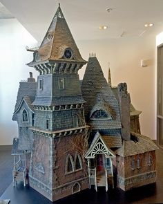 Count Olaf's house ( model of Count Olaf's house used in the 2004 movie Lemony Snicket.)