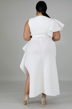 This elegant beauty dress features, a stretchy fabric, round neckline, flare sleeves, waist belt included finished with a back zipper closure. Model is wearing a Belt not included. Plus Size White Outfit, White Outfits, Elegant Dresses, Dresses For Work, Neckline, Sexy, Sleeves, Model, Hair