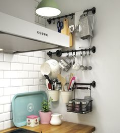 5 Small Kitchen Essentials Your (Tiny) NYC Apartment Needs Kitchen Rack, Kitchen Storage, Kitchen Decor, Space Kitchen, Ikea Kitchen, Apartment Needs, Rental Decorating, Small Space Living, Küchen Design