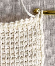 Tunisian Crochet Basics Tunisian Crochet Basics - the purl bee Crochet Afghans, Crochet Motifs, Crochet Stitches Patterns, Tunisian Crochet, Knitting Patterns, Knit Stitches, Lace Patterns, Crochet Granny, Lace Knitting