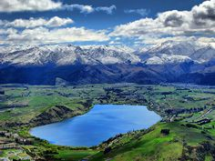 Lake Hayes, Arrowtown, New Zealand The Beautiful Country, Beautiful Places, Arrowtown New Zealand, Moving To New Zealand, Sacred Mountain, Anatole France, What A Wonderful World, South Pacific, Where To Go