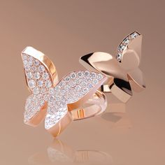From the Odyssey collection, the diamond butterfly ring is in flight and elegantly lands on your hand. Imagined by Stefano Canturi to reflect the delicate journey of life. Butterfly Ring, Butterfly Jewelry, Rose Gold Jewelry, Dainty Jewelry, Simple Jewelry, Jewelry Accessories, Fashion Rings, Fashion Jewelry, Women Jewelry