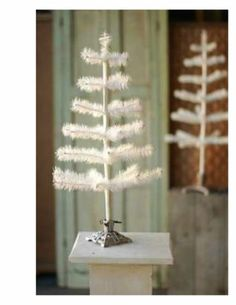"Vtg Style White GOOSE Feather Christmas Tree 24"" with Cast Metal Stand 