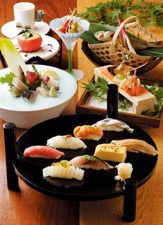 寿司 Sushi menu course.