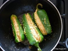 Tasty Tongues - food blog of easy recipes, marathi food, indian cooking, desserts,: Stuffed Jalapenos.(भरलेली मिरची)