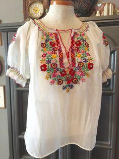 Vintage blusa de campesina de hippie bordado por lovewildevintage