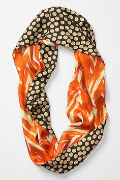 I love this - make with two coordinating fabrics - possibly make it into an infinity scarf so you always see both fabrics and long enough to double?