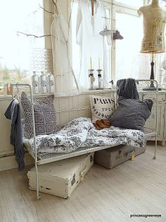 daybed w/ European flair