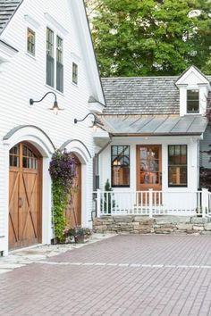 Admirable Modern Farmhouse Exterior Design Ideas