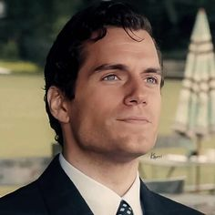 Henry Cavill ♡ as Napoleon Solo in The Man from U.N.C.L.E