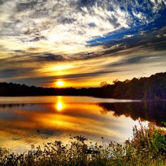 Sunset at the FDR State Park at Yorktown Heights, Westchester New York Westchester New York, Yorktown Heights, Hudson Valley, Amazing Nature, State Parks, New York City, Beautiful Pictures, Real Estate, Photo And Video