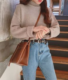 Comfy sweater and mom jeans outfit mom jeans, korean fashion, dress up, k Mode Outfits, Jean Outfits, Winter Outfits, Casual Outfits, Winter Clothes, Casual Jeans, High Waisted Jeans Outfits, Cozy Clothes, Formal Outfits