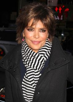 PICTURES      CELEBS      HAIR      FASHION      BEAUTY      RUNWAY      TV FASHION      MORE     Hair  Hair»Layered Razor Cut Lookbook  (Lisa Rinna)        Main      Short Hairstyles      Shoulder Length Hairstyles      Long Hairstyles      Updos    1  of   6 NEXT »     988     Lisa Rinna Hair