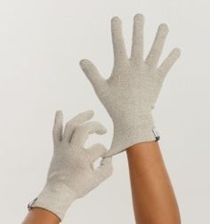 Agloves bamboo. Touchscreen gloves that are beautiful, green and antimicrobial.