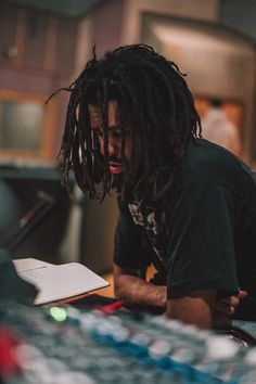 Listen to every J Cole track @ Iomoio J Cole And Drake, J Cole Art, J Cole Quotes, Beautiful Dreadlocks, Rap Wallpaper, Hip Hop Art, King Cole, People Of Interest, Dreads