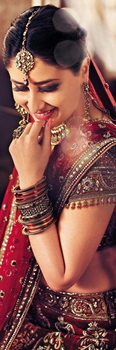 Kareena Kapoor in beautiful Indian outfit #wedding