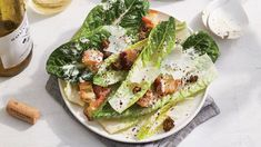 It's time to rescue the classic Caesar from bagged salad boredom. A modern Caesar salad starts with romaine leaves left whole, and ends when there isn Parmesan, Side Dishes For Salmon, Salmon Sides, Caesar Salat, Crouton Recipes, Bread Recipes, Comfort Food, Salmon Recipes, Salmon Food