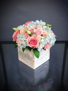 Pink and blue wedding flowers floral arrangements 69 Ideas for 2020 Pink Flower Centerpieces, Blue Flower Arrangements, Flower Decorations, Wedding Centerpieces, Flower Bouquet Boxes, Flower Box Gift, Diy Flower, Blue Wedding Flowers, Pink Flowers
