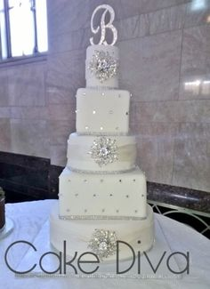 Blinged Out Wedding Themes | Blinged Out Wedding Cakes