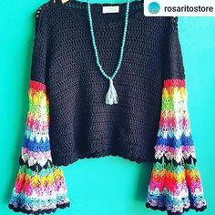 Crochet Jumper, Crochet Poncho Patterns, Crochet Yarn, Crochet Stitches, Knit Crochet, Free Crochet, Crochet Long Sleeve Tops, Celebrity Casual Outfits, Diy Crop Top